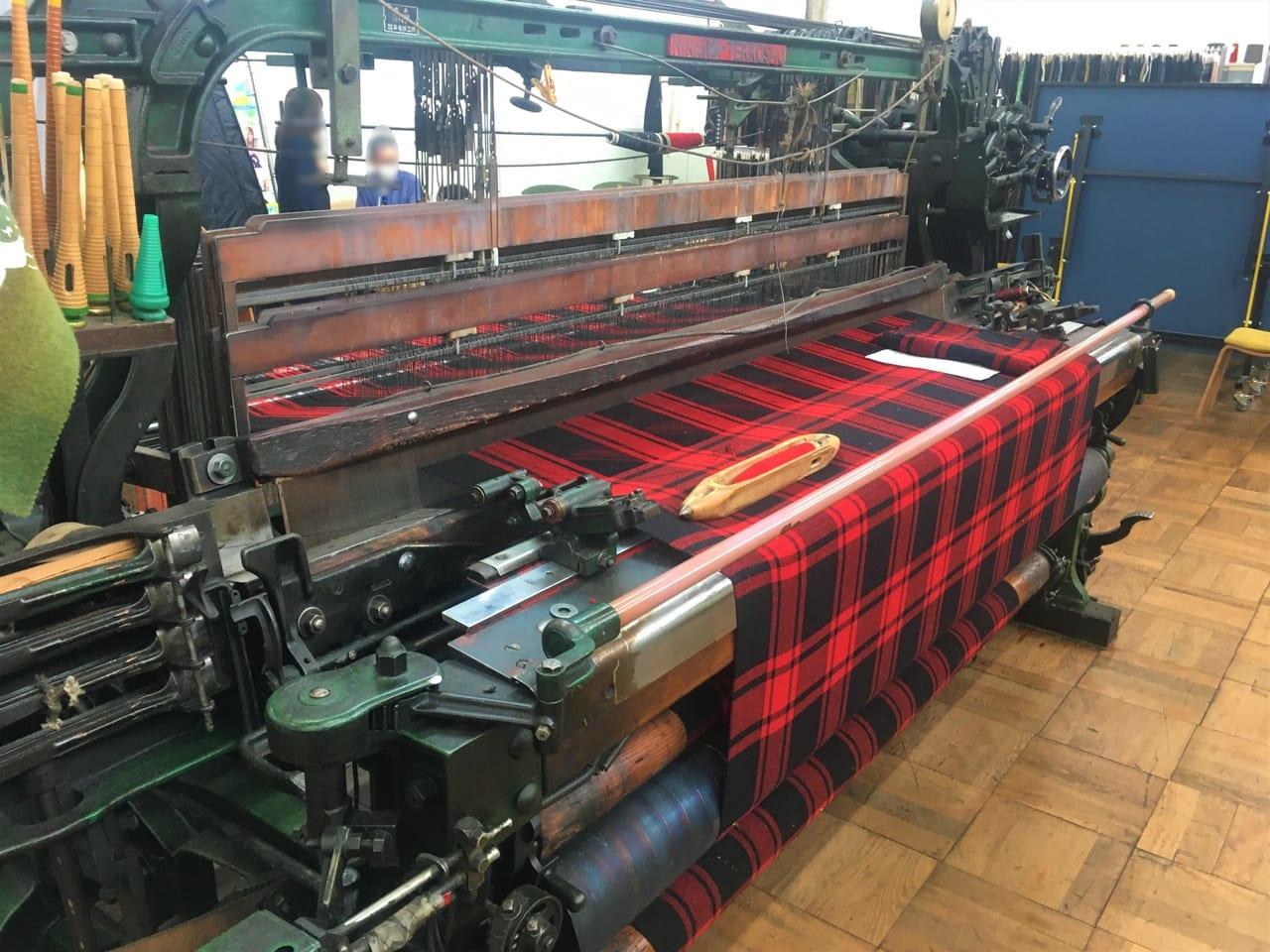 尾州のカレント新見本工場 ションヘルの機械
