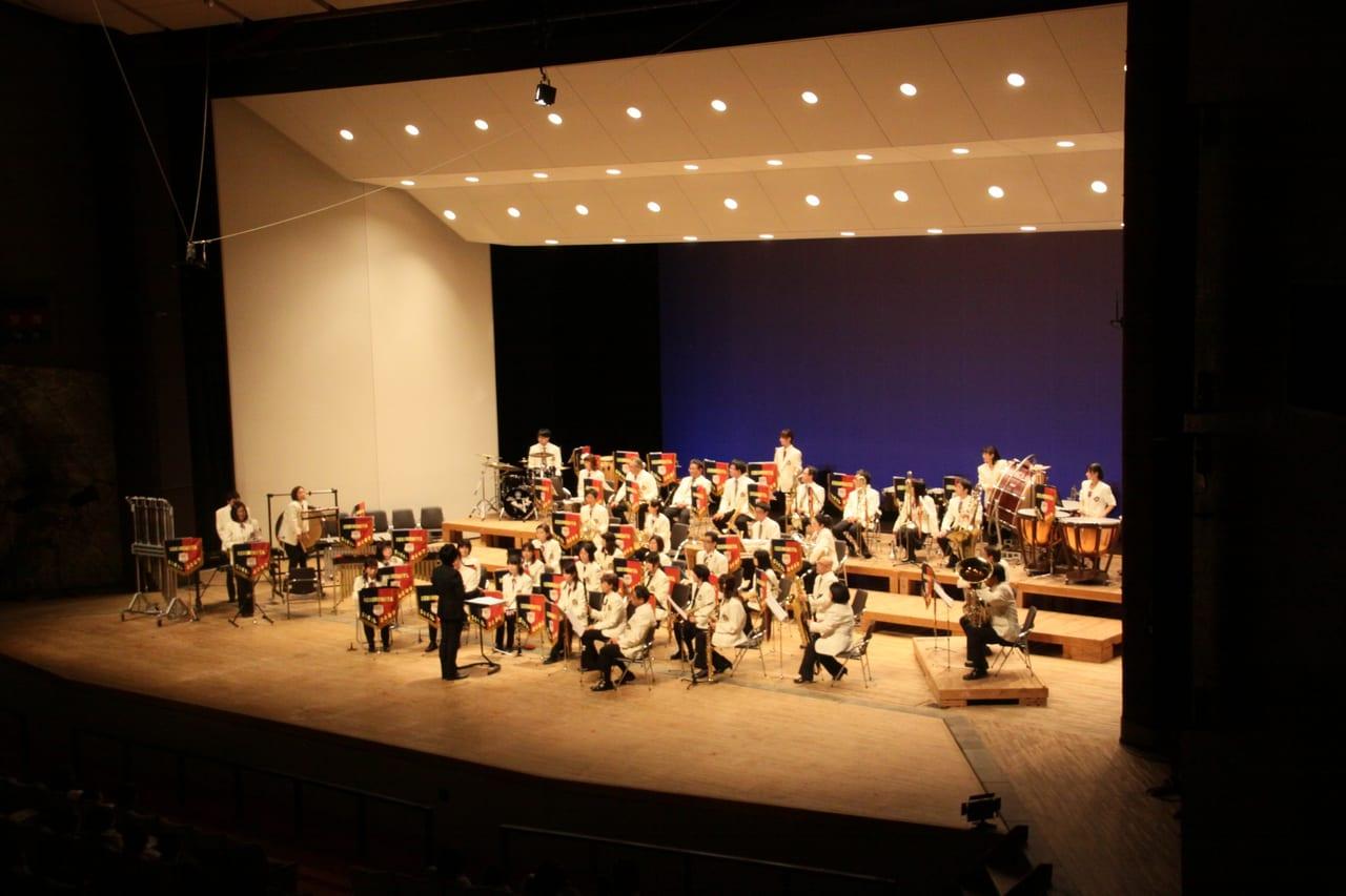 一宮市民吹奏楽団の演奏風景